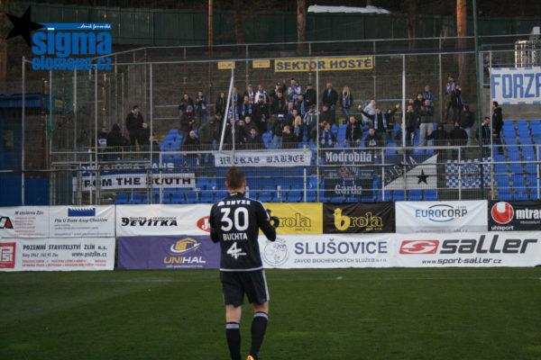 Miloš Buchta po utkání děkuje fanouškům