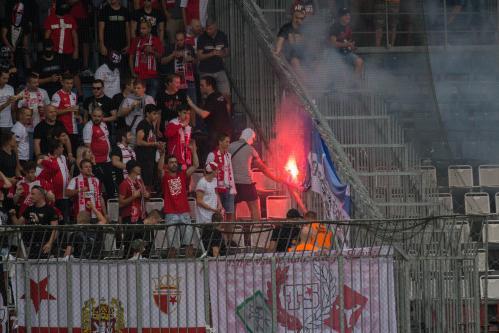 Slávisté pálí skrojené flagy Sigmy - Ultras Babice