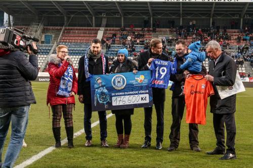 Utkání UEFA Youth league mělo i charitativní podtext a na podporu malého Patrika se vybralo 176. tis.