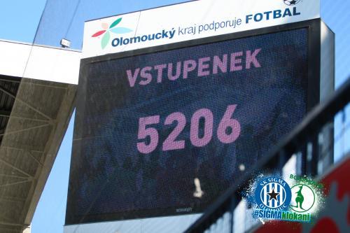 Tak tolik se sešlo v sobotu v ochozech Androva stadionu