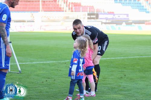 Miloš Buchta a Jakub Řezníček s jejich dcerami
