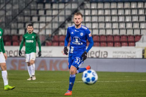 Vít Beneš na pažitu Androva stadionu v utkání s FK Jablonec, posledním zaměstnavatelem v Česku