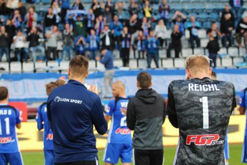 Michal Reichl a další hráči se radují se Sektorem S