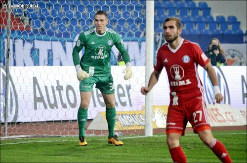 Martin Sladký a Miloš Buchta se soustředí na balón